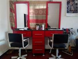se vende muebles de peluquería y accesorios