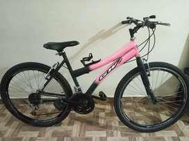 Bicicleta marco hierro como nueva