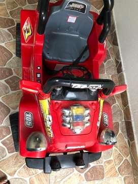 Carro para niño, funciona a control remoto o manualmente