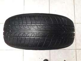Vendo Llanta con Neumático Rin14