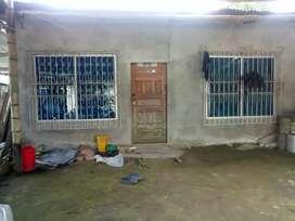 Se vende casa en El Carmen- al frente Escuela Tacio Castillo Díaz