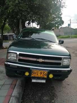 Se vende hermosa camioneta 4X4