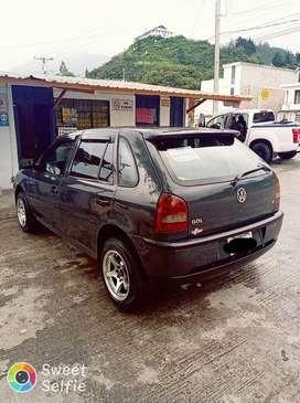 vendo un vehículo con las siguientes características; Marca: Volkswagen Gol 2004, tipo auto.