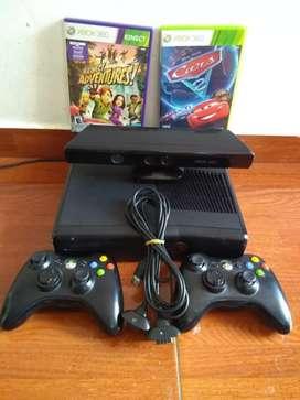 Vendo Xbox 360 con Kinect y accesorios