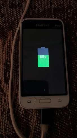 Vendo Samsung Galaxy j1 para repuesto o arreglar