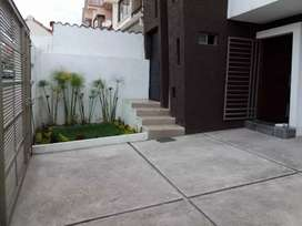 Casa 3 departamentos moderna