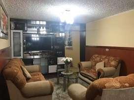 Alquilo amplio departamento amoblado de 3 dormitorios a una cuadra de la Av. Ejercito y de los Centros comerciales.