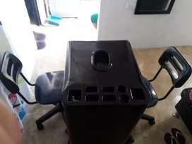 Vendo mesa + dos sillas para manicure