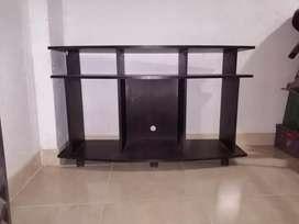 Se vende mesa de TV y sonido