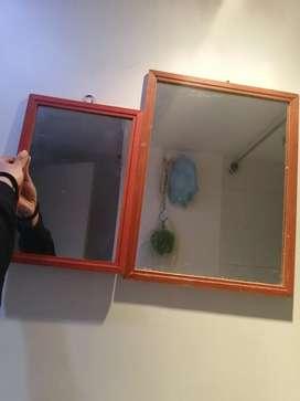 2 espejos con marco de madera