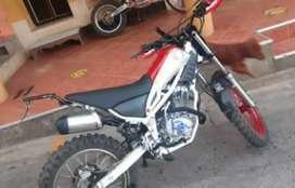 Vendo moto axxo 230