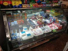 Vende refrigerador para salsamentaria