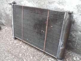 Radiador usado de peugeot 405