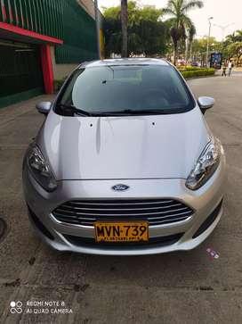 Ford fiesta exelente estado poco uso llantas nuevas placas Floridablanca