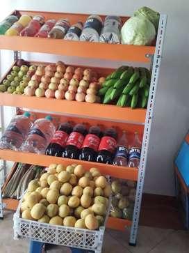 Vendo una tienda de viveres frutas y legumbres