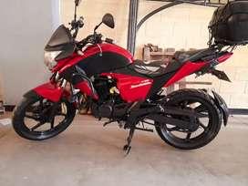 Honda 150 Invicta  Papeles nuevos excelente estado