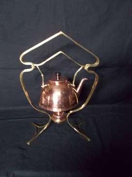 pava de cobre con soporte y calentador