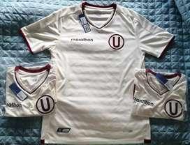 Camiseta Universitario De Deportes nueva y original. Talla S