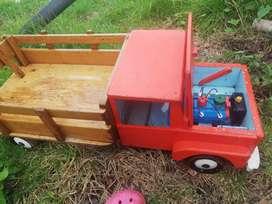 Camion en madera