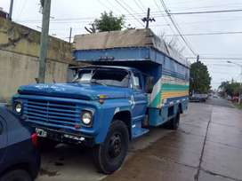 Camion Ford 600 motor Perkins