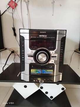 Equipo de sonido Sony está en excelente estado muy bien cuidado con adaptador Bluetooth