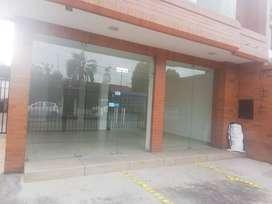Casa Comercial de  Arriendo, sector Remigio Crespo