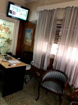 Para Profesionales - Consultorios/Oficinas. Alquiler por HORA $ 250
