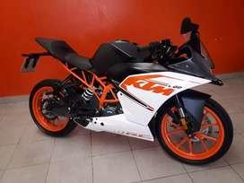 Vdo ktm rc200 recibo auto y motos de menor o mayor valor