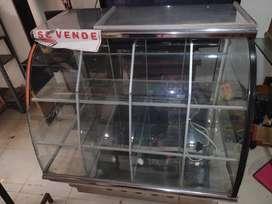 Se vende hermosa vitrina consta de 12 diviciones en acero inoxidabley con luz led