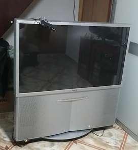 VENDO TV SONY 51 PULGADAS - MODELO kp-51ws520