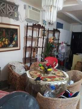 Dos modulares o repisas de guayacan excelente estado para libros pillas platos juguetes ropa