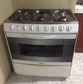 Vendo cocina de 6 quemadores