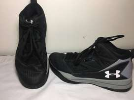 Tenis de basquetbol - marca Under Armour