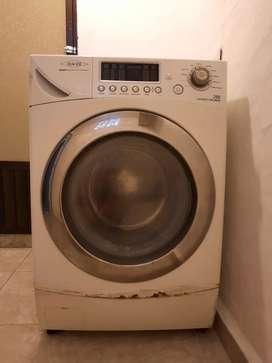Lavadora Secadora marca Haceb 26Lb, PRECIO DE REMATE!