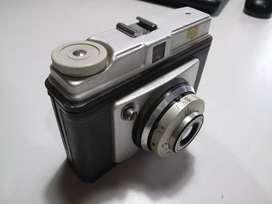 Máquina fotográfica antigua Koinor