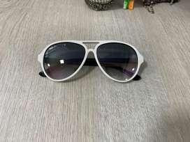 Gafas RayBan RB4125 cats 5000 722/32 2N usadas en buen estado marco blanco pata negra, lente en degrade