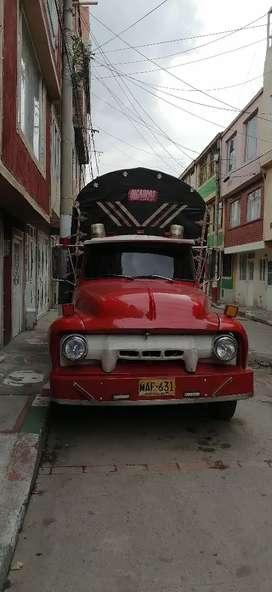 Venta de camioneta muy consentida y completa