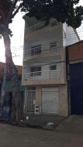 Hermoso edificio bien ubicado se recibe finca de menor valor