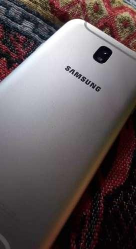 Samsung  Galaxy J7PRO(Negociable)