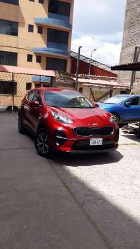 Camioneta Cerrada KIA Sportage Roja