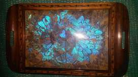 bandeja de madera y vidrio