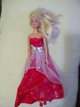 Muñeca Barbie mattel vestido rojo 2015 con zapatos