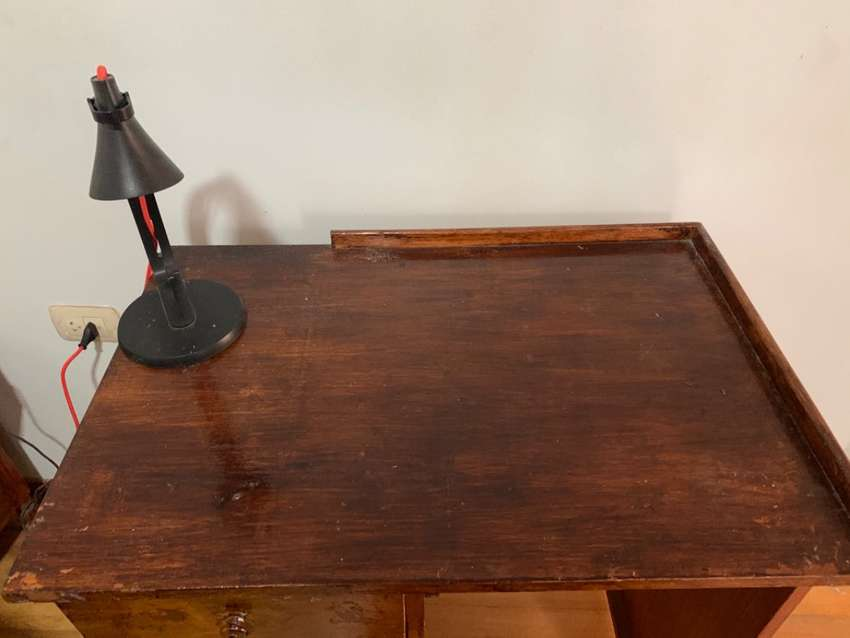 Escritorio de madera 0