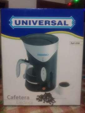 Cafetera universal, totalmente nueva.