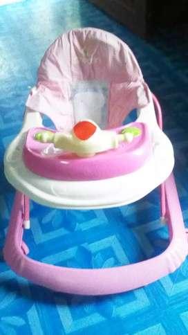 Vendo andador y silla de comer para bebé