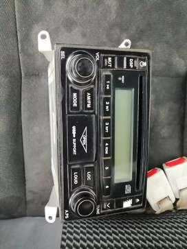 auto radio semi nuevo