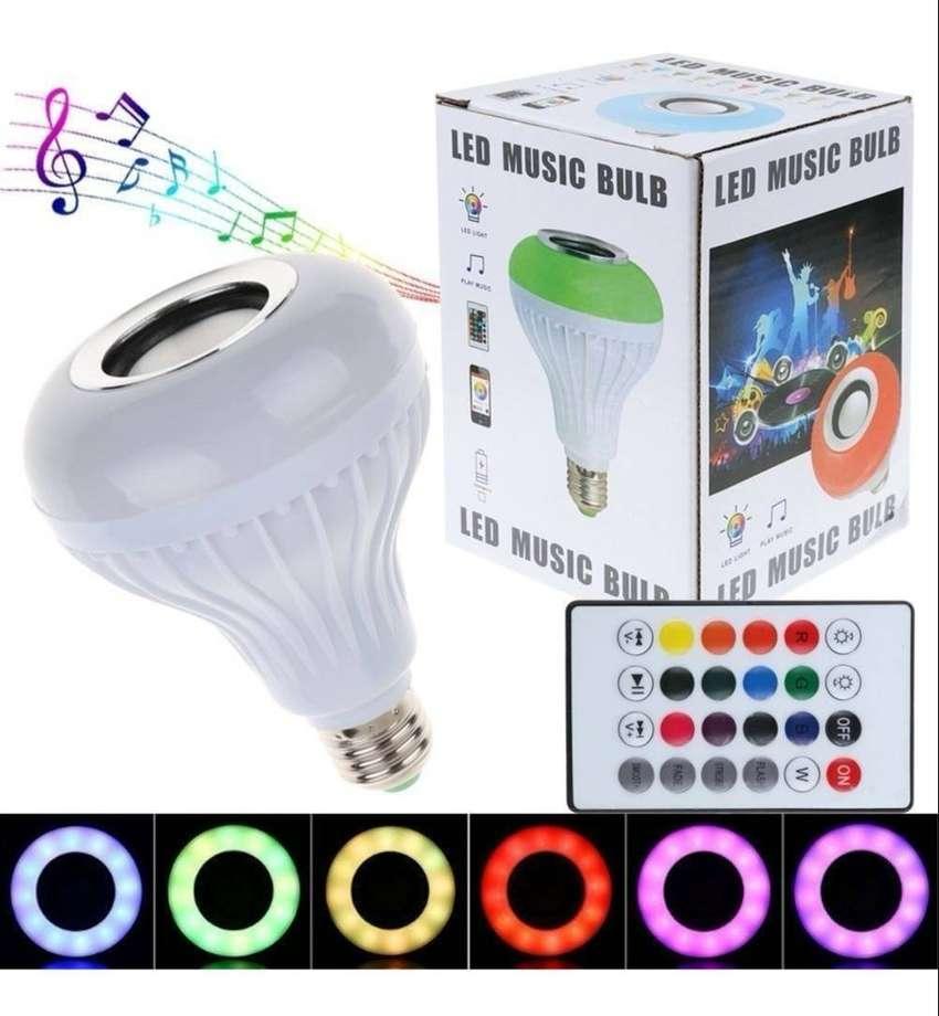 Bombillo  Parlante Bluetooth Musica Led multicolor + Control Remoto