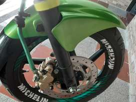 Vendo moto pulsar 220 en perfecto estado