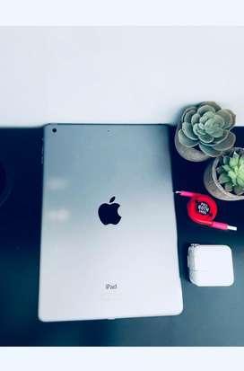 iPad Air A1474 - 16GB -Space Grey