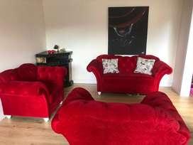 sofá y sillas